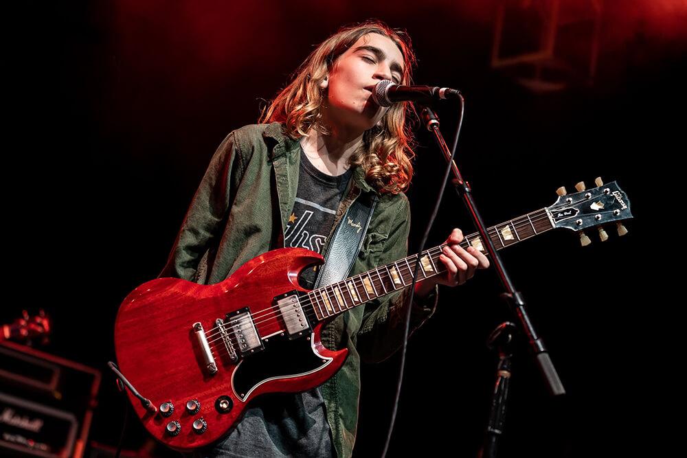 Asher Belsky Gibson guitarist