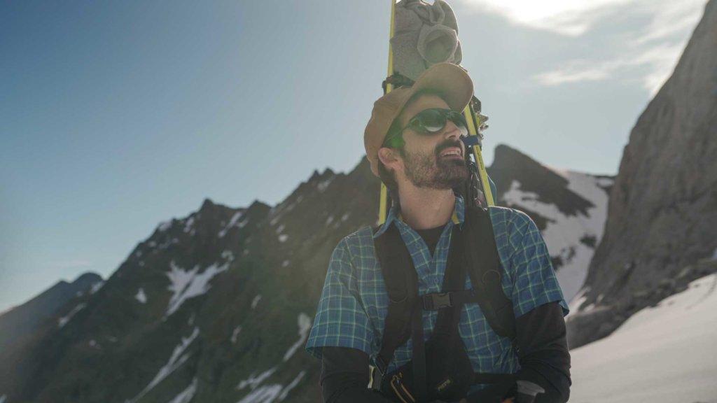 Jordi Mestre climbing the mountain